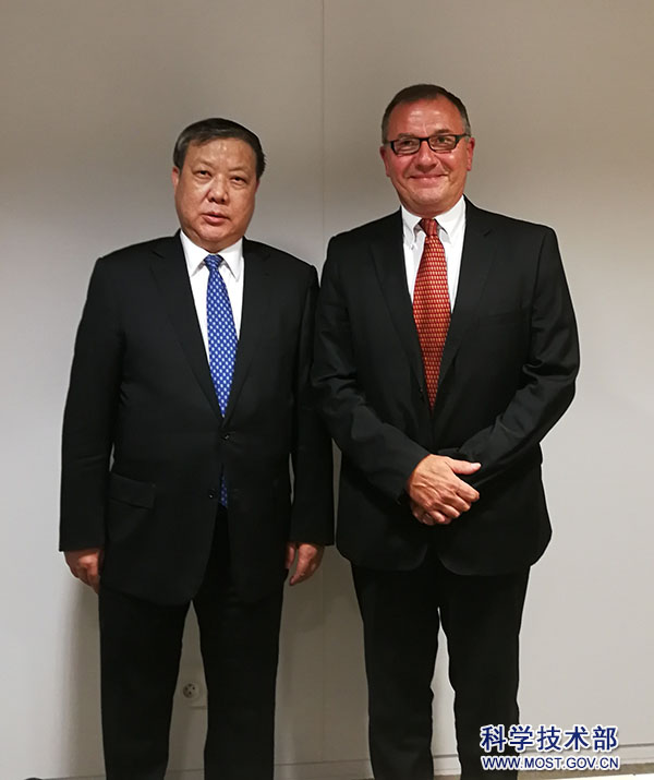 19-10-10Chief Discipline Inspector of MOST Wang Binyi Visits French National Research Agency.jpg